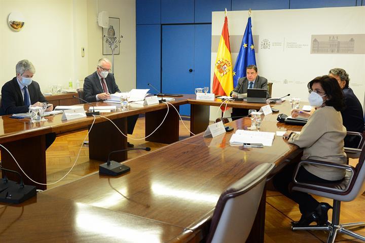 Planas confía en la aprobación de los reglamentos de la PAC antes del verano