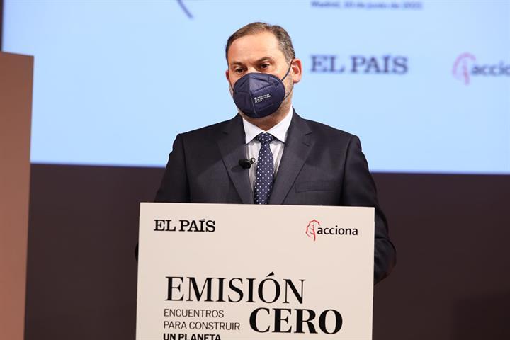 Ábalos anuncia que las actuaciones subvencionables en barrios pueden alcanzar alrededor de 24.000 euros por vivienda