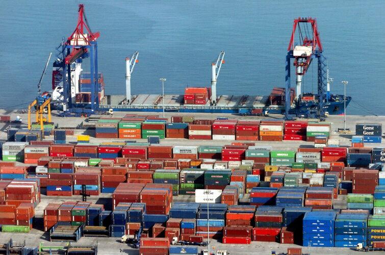 Se afianza la recuperación del comercio exterior español: las exportaciones crecen un 23,3% en el primer semestre de 2021
