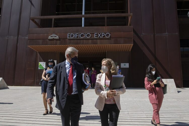 El comisario europeo para Presupuesto y Administración «España está en el buen camino para impulsar la recuperación y la resiliencia»
