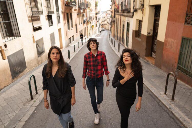 Cómo hemos llegado hasta aquí: Olga Iglesias, Nerea Pérez de Las Heras y Andrea Jiménez elevan a calidad de mito un relato personal